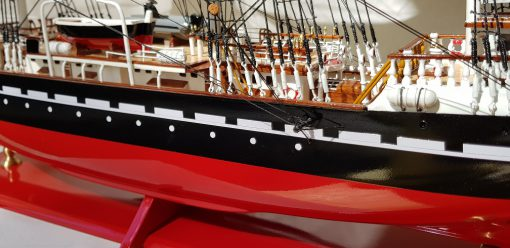 Belem painted 80 cm hull red41