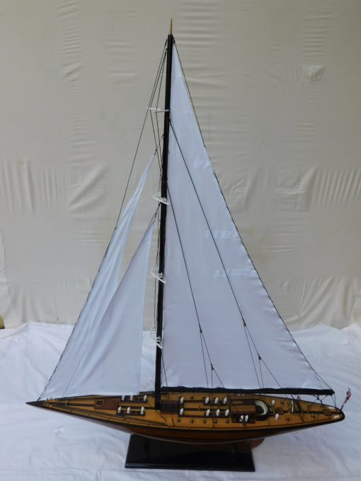 Yacht Endeavour varnished 125 x 21 x 155 cm 31 rotated