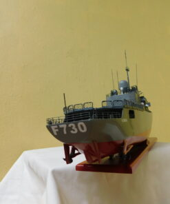 The frigate Floreal Military Boat 54 cm 10