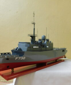 The frigate Floreal Military Boat 54 cm 7